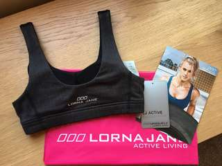 LORNA JANE CROP BRAND NEW WITH TAGS