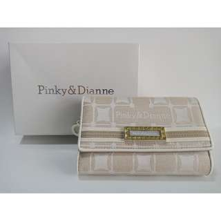PINKY & DIANNE Womens Fold Wallet