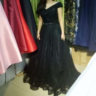 BLACK OFF SHOULDER LONG GOWN