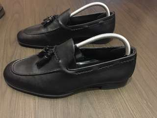 Zara Black Leather tassel shoes