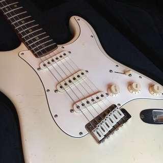 Vintage 1971 Fender Stratocaster Olympic White Guitar!