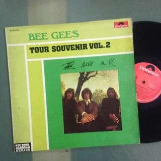 Lp Bee Gees (vinyl/piring hitam)