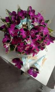🚚 Bunga Rampai in Burlap Cones
