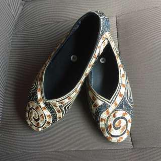 New! Sepatu bordir