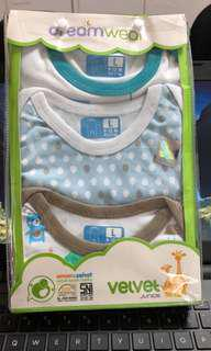 Velvet Junior Baby Sleepsuit 9-12M (washed with pigeon baby laundry detergent made in Japan, BUT not worn - too small)
