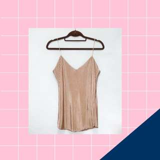 PLEATED CAMI STRING TOP