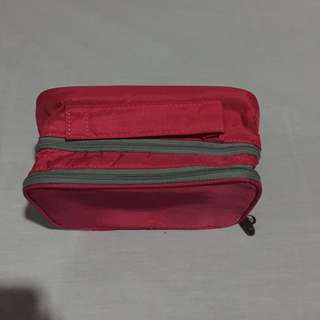 Makeup pouch / kit