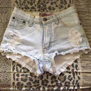 🚚 Light Denim Highwaist Shorts