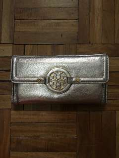 Flash Sale!!! AUTHENTIC TORY BURCH AMANDA METALLIC GOLD LONG WALLET