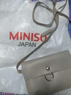 Miniso slingbag grey