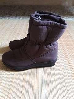 Women Winter Boots (size 35)