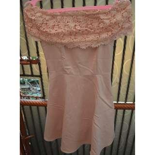dress peach pendek