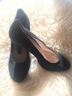 Ladies JOANNE MERCER leather suede pumps