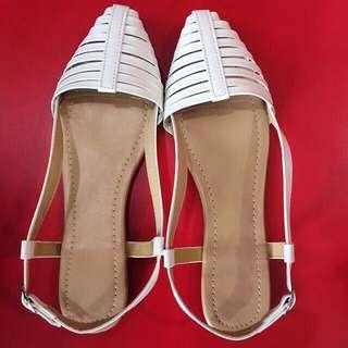 MTO Carla flat sandals