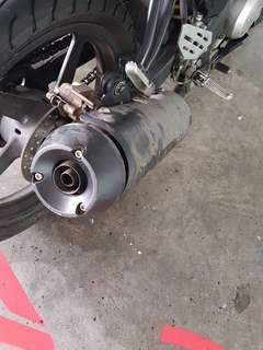 R15 V1 stock exhaust