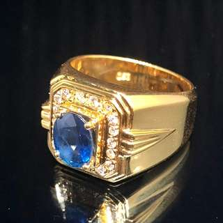 BLUE SAPPHIRE YELLOW GOLD RING