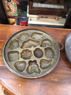"Rare! Large 10"" brass kueh mould"