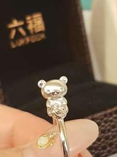 💎💍🐻六福3d立體鬆弛熊🐻18k白金鑽石戒指💍