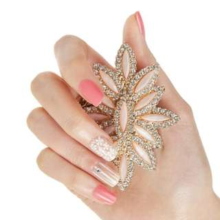 🚚 Dashing DIVA Magic Press Nails - MDR_132 Feminine Dress