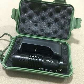 Challenger led flashlight