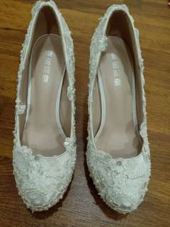 Lace high heel