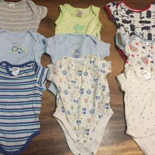 🚚 Onesies x 9 items - 3-6 months