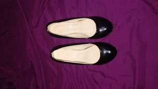 Black Shoes Wedge