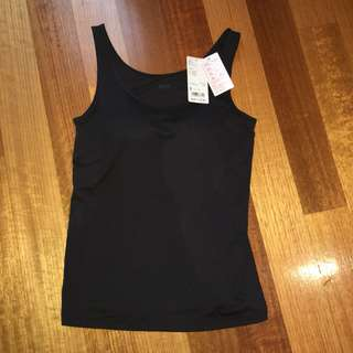 UNIQLO Heat tech padded top
