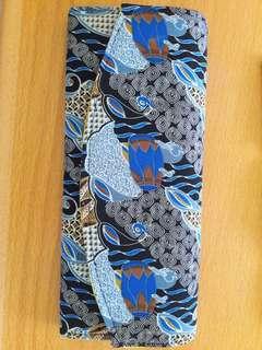 Preloved Clucth Batik Biru