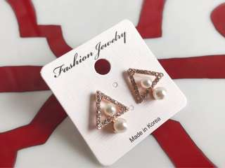 🚚 全新韓版玫瑰金超美鑽石耳環