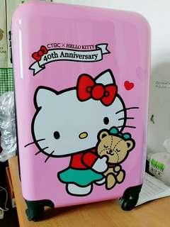 🚚 Hello Kitty行李箱