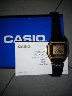 Casio watch vintage (black ang gold)