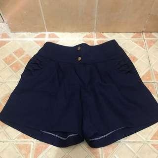 Button navy shortpants