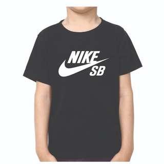 NIKE SB KIDS BLACK TSHIRT