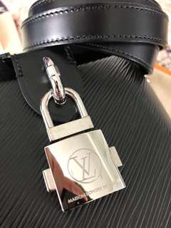 LOUIS VUITTON M56038 BENTO BB EPI NOIR