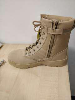 SWAT TACTICAL  BOOTS(Size 42 )