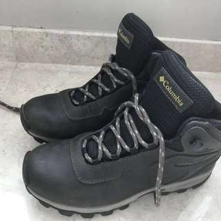 Columbia water proof shoe