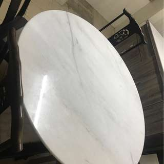 Dining table for chair