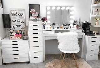 Super sale! Makeup room essentials