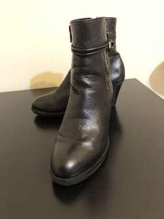 🚚 7成新 小羊皮 馬靴 36碼