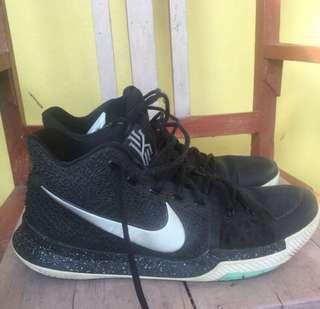 Nike Kyrie 3 size 44