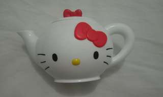 Hello Kitty Sanrio Teapot