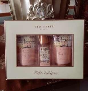 TED BAKER BEAUTY KIT