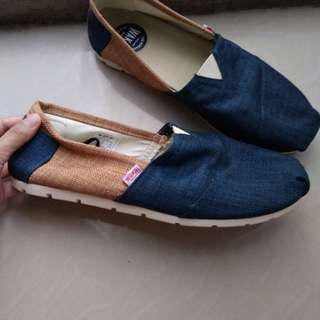 Sepatu wakai, ori size 42,ini unisex ya ..open nego