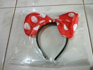 Bando Minnie Mouse dan Untai Kepala Mawar