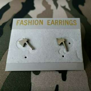 手術耳環,尚有其他款式,可自由配搭。 單隻$10 一對$15