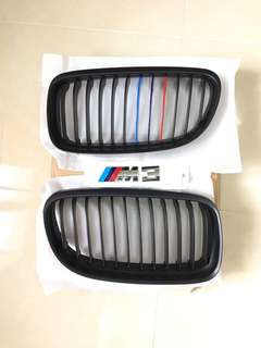 BMW E90 LCI - Front Grill with Stripes