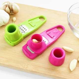 Kitchen Household grinding garlic Multifunction garlic ginger mill (Green)