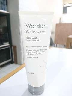 FREE! Wardah White Secret facial wash