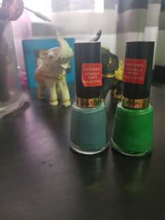 Revlon Nail Enamels in Chic and Posh